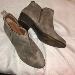 LUCKY BRAND PREOWNED BOOTIES SIZE 9